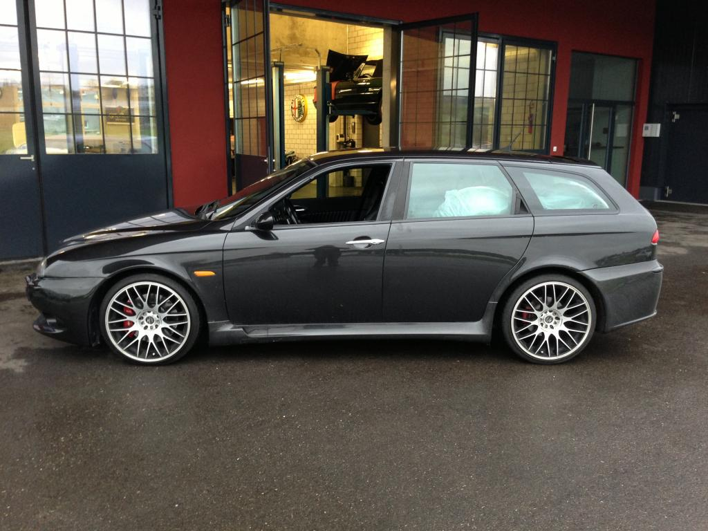 2003 alfa romeo 156 gta berlinasportivo italian sports saloons. Black Bedroom Furniture Sets. Home Design Ideas